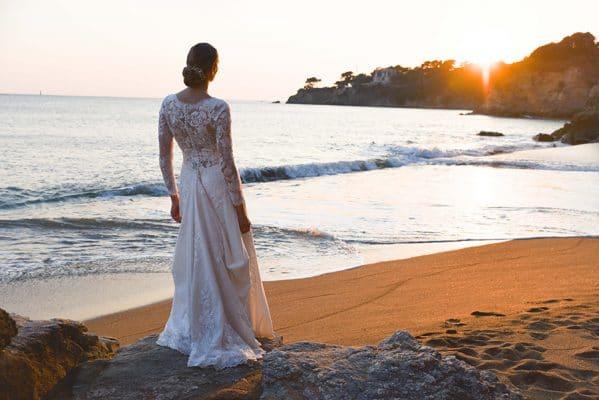 Portrait de mariage sur la plage